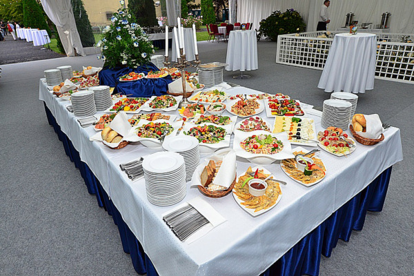 catering podczas przyjęcia