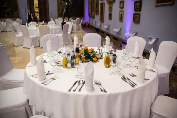 stolik podczas kolacji w Sukiennicach