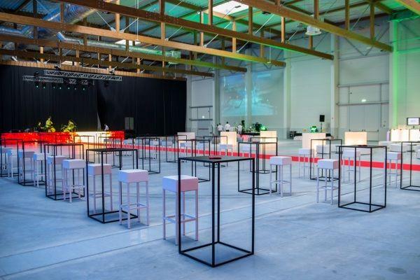 stoliki w centrum expo