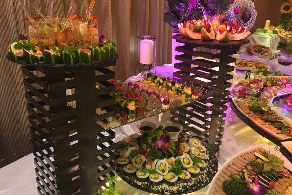 stół szwedzki podczas wesela