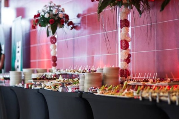 stołu cateringowe