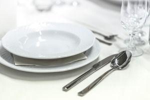 Wypożyczalnia cateringowa w ofercie posiada nie tylko meble w Krakowie